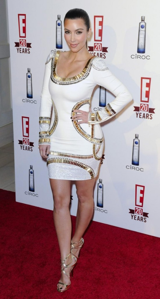 Kim kardashian white dress